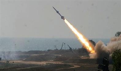 الشرطة العراقية: إصابة 2 من الموظفين بسقوط صاروخ على مقر شركة نفطية أجنبية في البصرة