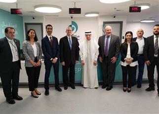 السفير الأمريكي لدى الكويت يشيد بالمستوى المتطور لـ «ضمان»
