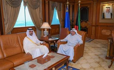 وزير الداخلية يبحث مع سفير قطر الموضوعات المشتركة