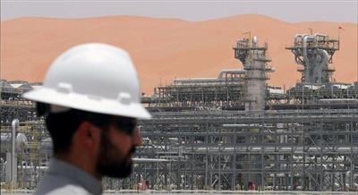 النفط يستقر وسط مخاوف الطلب وتهديدات نووية جديدة من إيران