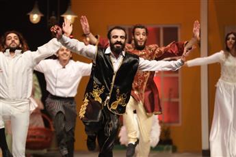 «بائعة الكعك» مسرحية أطفال من قطر معبرة عن حب الوطن ونعمة الأمان