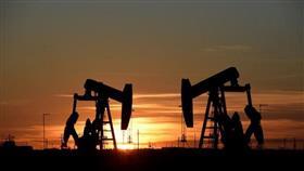 النفط قرب أعلى مستوى له في 6 أسابيع وسط عاصفة بخليج المكسيك وتوتر الشرق الأوسط