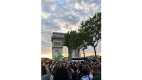 فرنسا.. مصرع امرأة في احتفالات بتأهل الجزائر لنصف نهائي «الأمم الإفريقية»