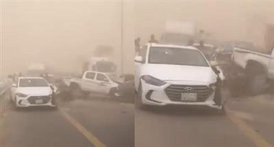 السعودية.. تصادم مروع لعدد من المركبات في «جازان» إثر عاصفة ترابية