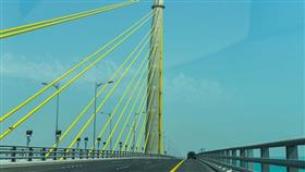 «جسر جابر».. تطبيق الرسوم على الشاحنات