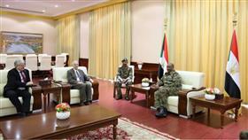 السودان.. مبعوث أميركا يبحث مع البرهان تشكيل حكومة انتقالية مدنية