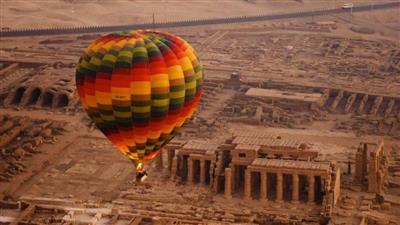 مصر تستخدم «الصندوق الأسود» في رحلات البالون الطائر