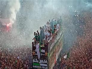 الجماهير الجزائرية تستقبل منتخبها الوطني بعد التتويج بأمم إفريقيا