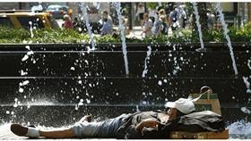 أمريكا.. تحذير من موجة حر شديدة في عدد من الولايات