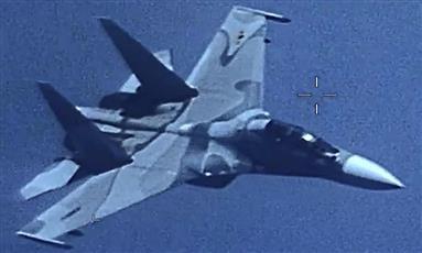 واشنطن: مقاتلة فنزويلية تهدد طائرة أمريكية عسكرية في المجال الجوي الدولي