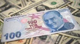 الليرة التركية تنتعش أمام الدولار