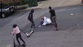 الاعتداء بالضرب على مسلم خمسيني في أمريكا