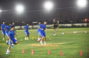 منتخبنا الوطني لكرة القدم يجري مرانه الأخير قبل مواجهة البحرين الحاسمة في منافسات «غرب آسيا»