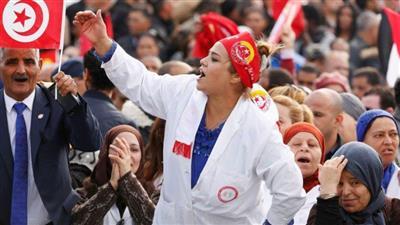 تونس.. القطاع الصحي يبدأ إضرابًا عامًا في كافة محافظات البلاد