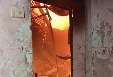 4 فرق إطفاء تسيطر على حريق منزل في منطقة جليب الشيوخ