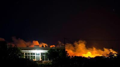 حريق غابات يدفع السلطات الإسبانية لإخلاء منطقة في جزر الكناري