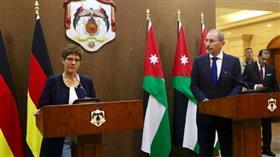 وزيرة الدفاع الالمانية: حل الدولتين الوحيد لإنهاء الصراع الفلسطيني الإسرائيلي