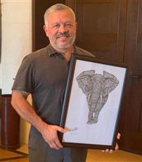 هذه قصة «لوحة الفيل» التي غرَّد بها الملك عبدالله