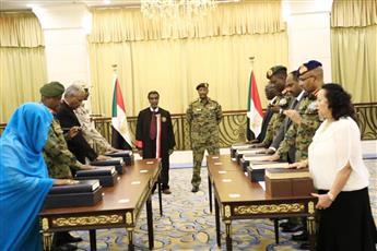 الفريق أول عبدالفتاح البرهان يؤدي القسم الدستوري