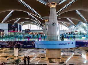 تأخر عشرات الرحلات الجوية بمطار كوالالمبور الدولي لتعطل النظام
