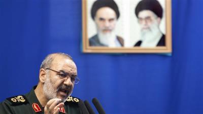الحرس الثوري الإيراني يعلن إجراء تجربة لصاروخ باليستي جديد