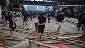 تصاعد التوتر في هونغ كونغ إثر مواجهات بين الشرطة والمحتجين