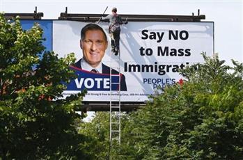 إعلانات مناهضة للهجرة تثير انتقادات حادة في كندا