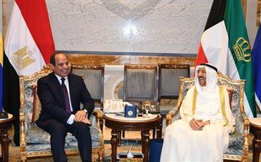 سمو الأمير يقيم مأدبة غداء على شرف الرئيس المصري