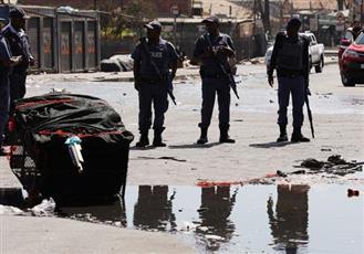 شرطة جنوب أفريقيا تعتقل أكثر من 80 شخصاً بعد أعمال شغب