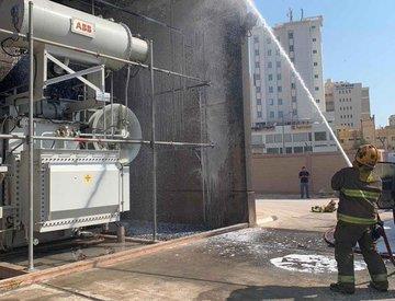 «الإطفاء»: إخماد حريق محول كهرباء امتد لمركبة في حولي