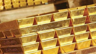 الذهب ينخفض مع انحسار الطلب على الملاذ الآمن