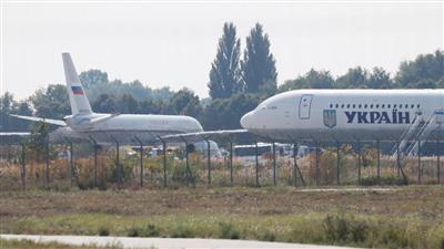 طائرتان تغادران موسكو وكييف في إطار تبادل للأسرى
