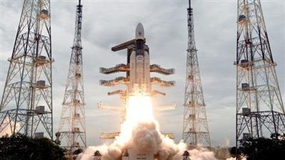 فقدان الاتصال بمركبة فضاء هندية قبل هبوطها على سطح القمر بثوانٍ