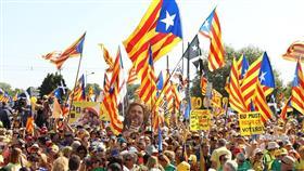 إقليم كتالونيا الإسباني يحتفل بيومه الوطني وسط انقسام سياسي عميق