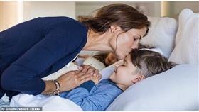 حيل بسيطة لمساعدة طفلك على النوم