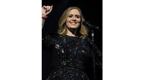 المغنية العالمية Adele