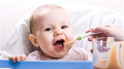 تحذير من السكر الزائد في وجبات الرضع الجاهزة