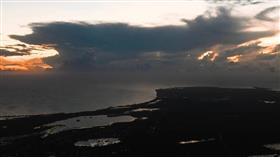 المركز الوطني الأمريكي للأعاصير يحذر من إعصار مداري في جزر الباهاما