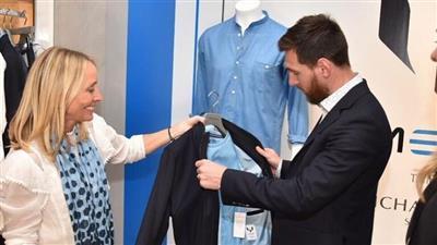 ميسي يقدم علامته التجارية من الملابس