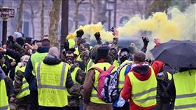 الشرطة الفرنسية تعتقل 30 متظاهرًا خلال احتجاجات «السترات الصفراء»