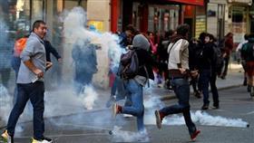 فرنسا.. الشرطة تطلق الغاز على محتجي السترات الصفراء في باريس