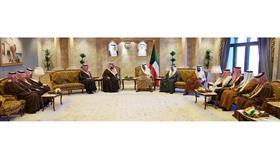رئيس الوزراء يستقبل وزير الدولة وعضو مجلس الوزراء السعودي الأمير تركي آل سعود