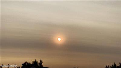 دخان حرائق أستراليا صبغ السماء في الأرجنتين