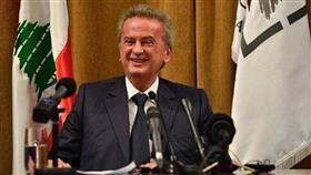 لبنان.. رياض سلامة ينفي قوله إن بإمكان البنوك تحويل الودائع الدولارية إلى الليرة