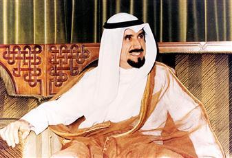 قلوب الكويتيين تنبض بذكرى «أمير القلوب»