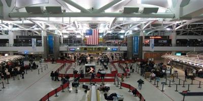 فحوصات طبية بالمطارات الأمريكية.. خشية تسلل الفيروس الصيني