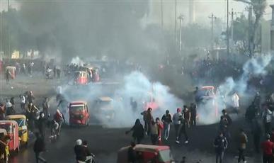 العراق: قتيل وجرحى بمواجهات المتظاهرين وقوات الأمن في بغداد