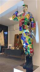 فنانون لبنانيون يحولون النفايات إلى لوحات ومنحوتات فنية