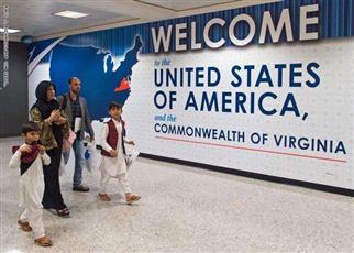 للحد من «سياحة الولادة».. قواعد جديدة في تأشيرة دخول الولايات المتحدة