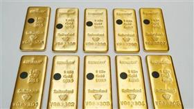 الذهب يتراجع مع انتظار المستثمرين لإيضاح بشأن خطورة فيروس في الصين